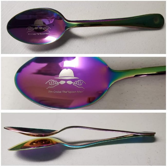 Spoonman player spoons